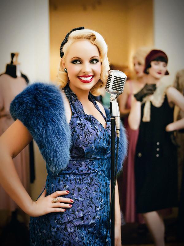 Pia Vintage Microphone